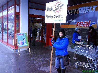 """""""Der Cent macht's!"""" – Protest für gentechnikfreie Milch"""