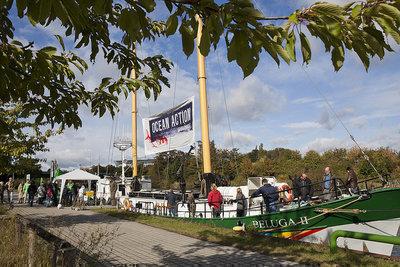 Meeresschutz jetzt! Greenpeace-Schiff in Hannover