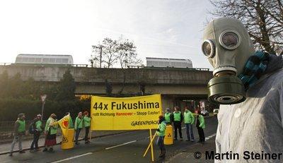 Stopp Castor! 44x Fukushima rollt durch Hannover