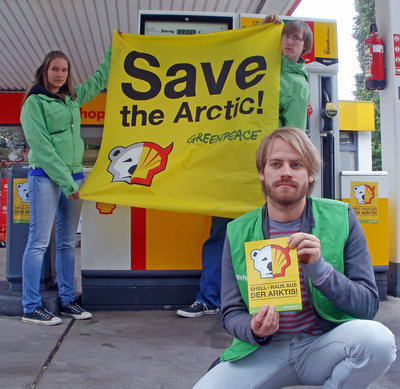 Bundesweiter Greenpeace-Protest auf Shell-Tankstellen
