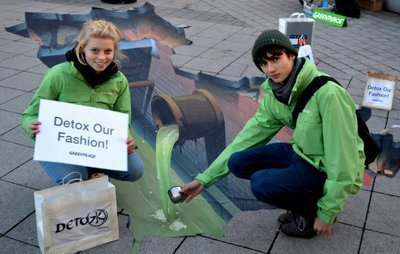 Greenpeace Jugendliche fordern giftfreie Mode!